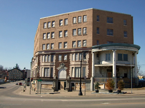 Flanagan Hotel